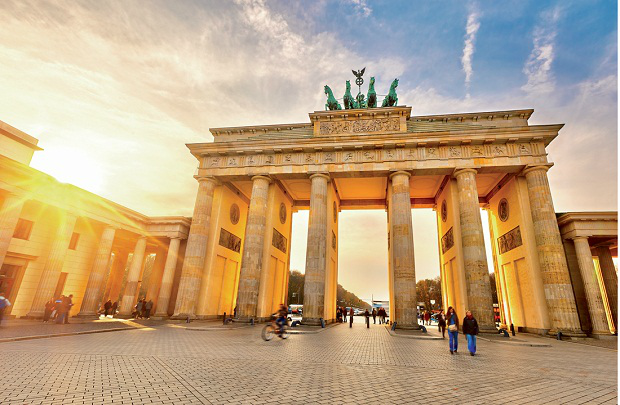 Đi máy bay từ Berlin về Hà Nội mất bao lâu?